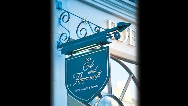 Ede & Ravenscroft Illuminated Stylised Projecting Sign