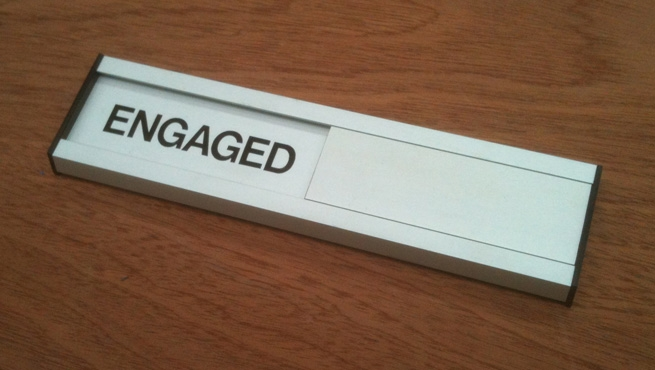 Sliding Engaged / Vacant Door Sign