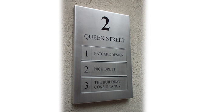 2 Queen Street, Bristol - Signage made by Wards of Bristol