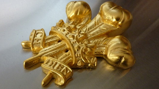 Prince of Wales Coat of Arms finished in Gold Gilding
