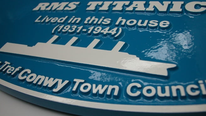 Close of up Blue Heritage Plaque for Harold G Lowe, RMS Titanic