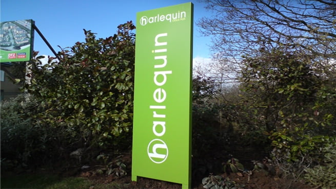 Green Monolith Sign for Harlequin